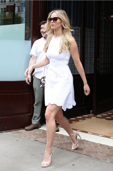 jennifer-actress-hollywood-pics-fashion-casual-wear-public-appearance-street-style-outfit-white-frock