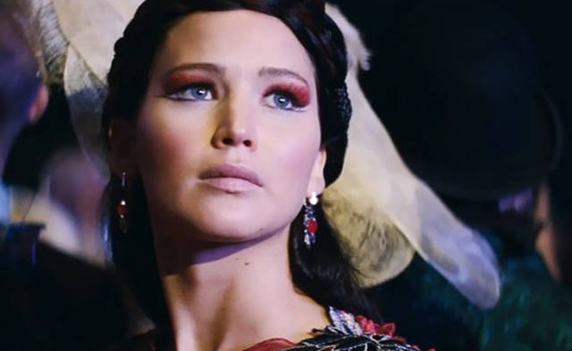 jennifer-lawrence-actress-hollywood-makeup-styles-pics-beautiful-katniss-catching-fire