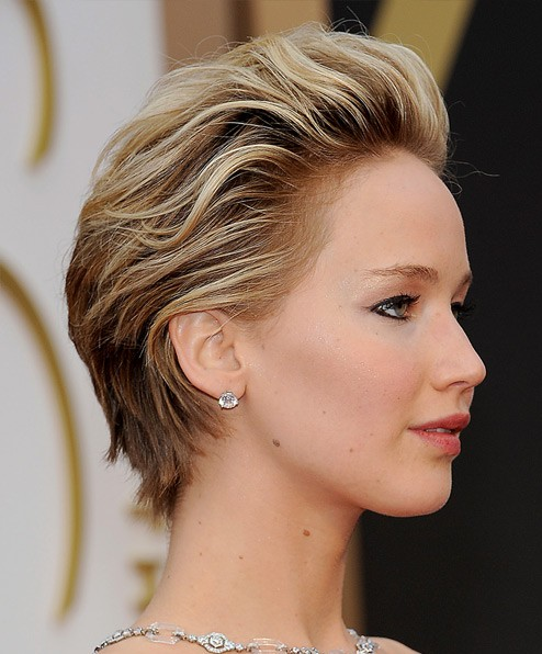 jennifer-lawrence-actress-hollywood-photo-JLaw-pics-haircut-short-hair-hair-spray-pushback-hairstyle