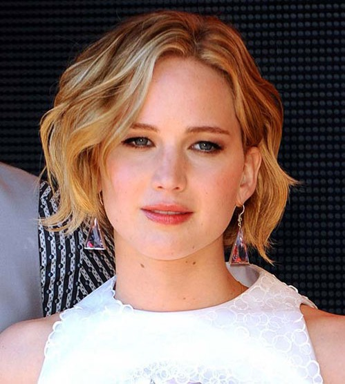 jennifer-lawrence-beauty-styles-pictures-hairstyles-photo-JLaw-pics-haircut-cut-short-hair-wavy-bob-cut