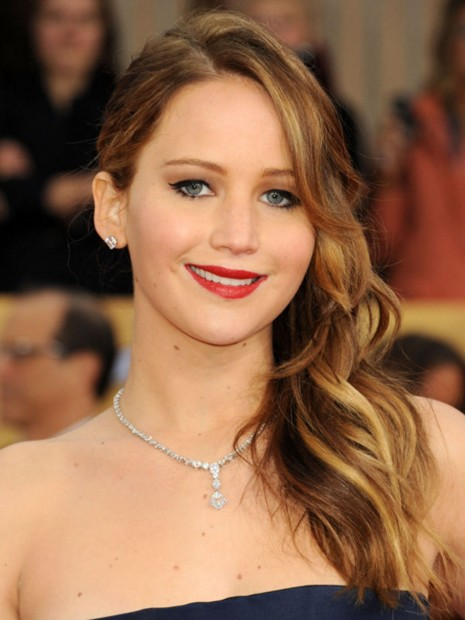 jennifer-lawrence-blue-gown-dress-outfit-silver-jeweller-red-carpet-hair colour