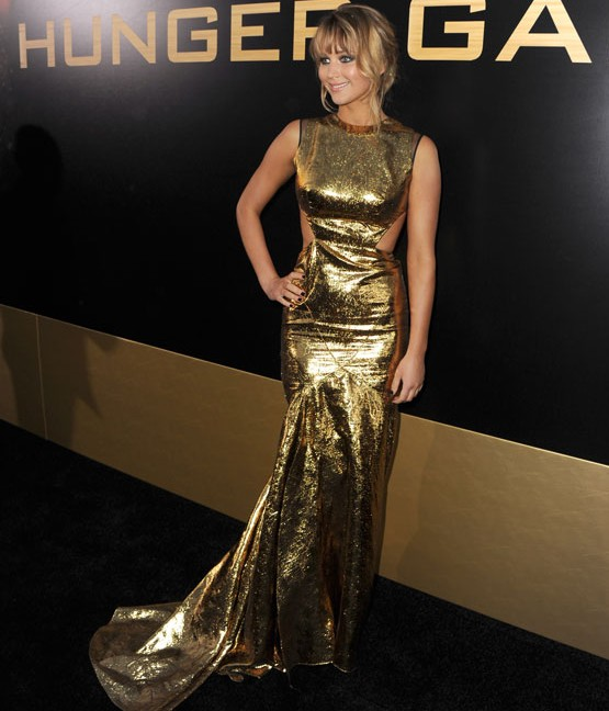jennifer-lawrence-golden-gown-movie-premiere-hunger-games-JLaw-pics-hollywood