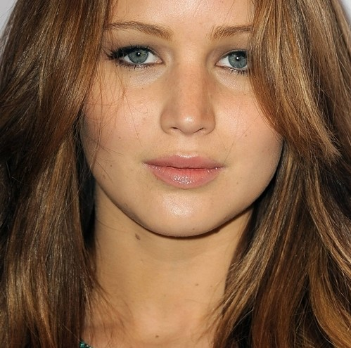 jennifer-lawrence-hollywood-actress-makeup-look-beautiful-jen-casual-natural-closeup