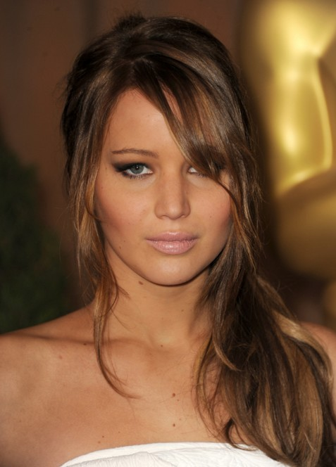 jennifer-lawrence-hollywood-actress-makeup-styles-pictures-images-JLaw-pics-beautiful-hair-smokey-eyes-fringes