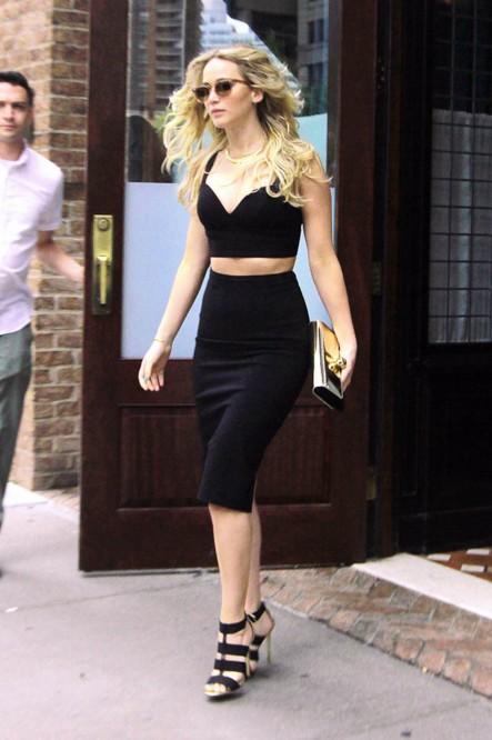 jennifer-lawrence-hot-hollywood-pics-beautiful-fashion-casual-wear-public-appearance-dress-heels