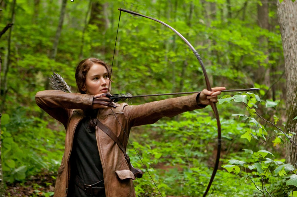 jennifer-lawrence-hunger-games-hunting-look-outfit-clothes-brown-jacket-scene-arch