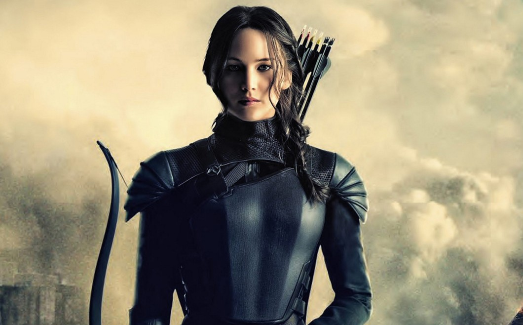 jennifer-lawrence-hunger-games-look-outfit-black-dress-fighter-costume-mockingjay-2-poster