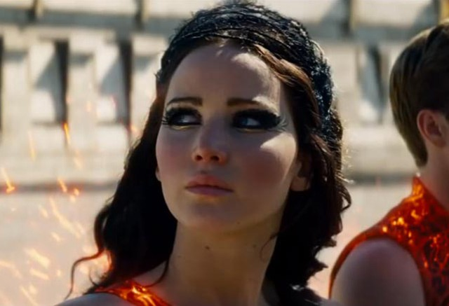 jennifer-lawrence-hunger-games-look-outfit-eye-makeu-hair-band-p-dress-fighter-costume-catching-fire