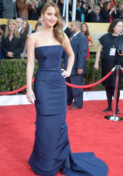 jennifer-lawrence-navy-blue-trumpet-mermaid-gown-dress-outfit-red-carpet