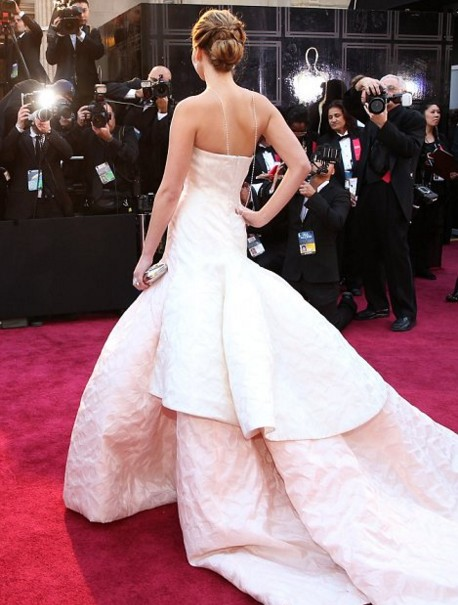 jennifer-lawrence-white-dress-gown-outfit-princess-oscar-winner-red-carpet