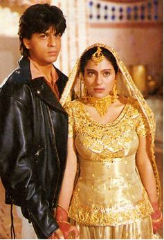 kajol-bollwyood-golden-indian-bridal-lehenga-jewelry-ddlj