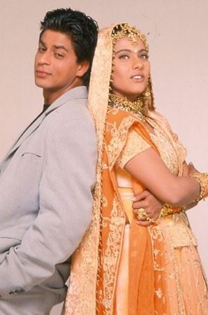 kajol-bollwyood-golden-indian-bridal-lehenga-jewelry-kuch-kuch-hota-hai
