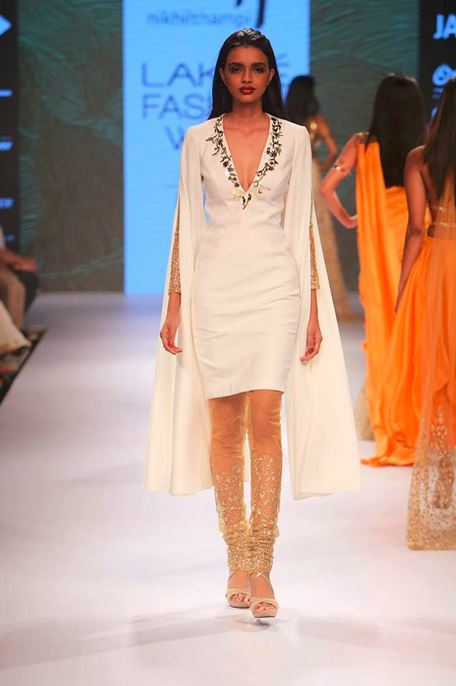 nikhil_thampi_payal_singhal_white_shirt_tunic_cape_gold_sheer_sequin_threadwork_chooridar_v_neck