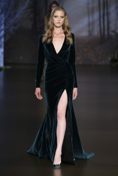 ralph-russo-aw-2015-2016-fall-winter-collection-review-black-green-mix-thigh-cut-velvet-gown
