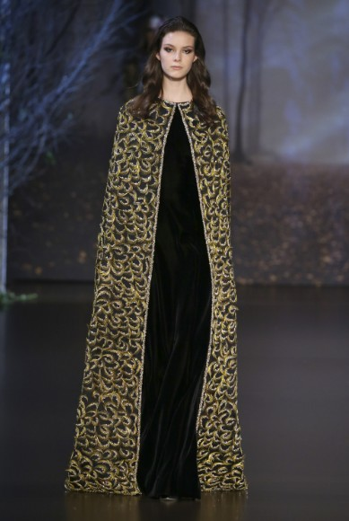 ralph-russo-aw-2015-2016-fall-winter-collection-review-gold-embroidery-cape-black-dress