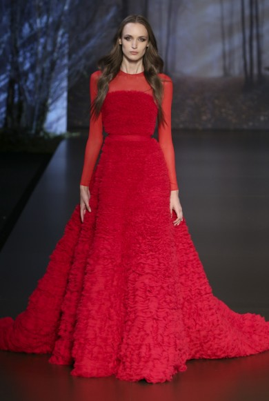 ralph-russo-aw-2015-2016-fall-winter-collection-review-red-ball-gown-fur-dress