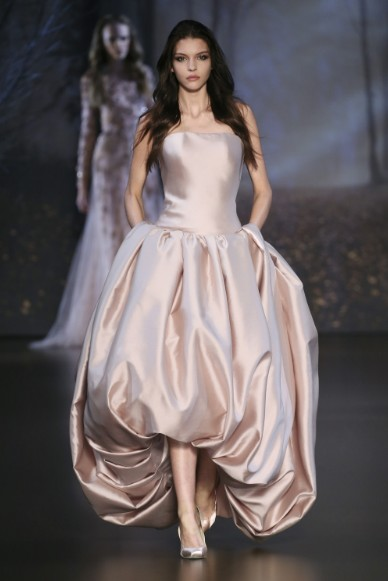 ralph-russo-aw-2015-2016-fall-winter-collection-review-satin-silk-puffy-gown-dress