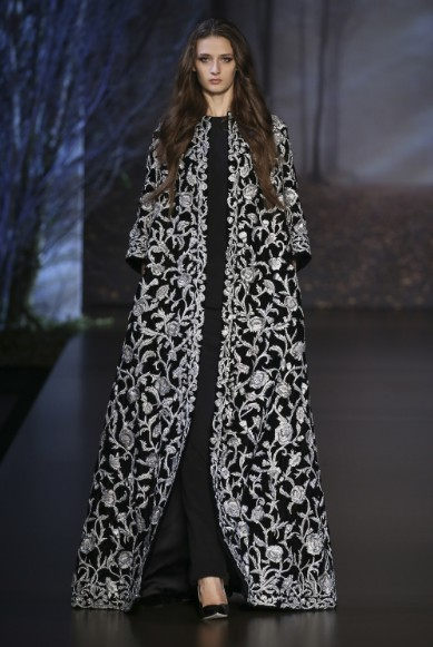 ralph-russo-aw-2015-2016-fall-winter-collection-review-silver-embroidery-black-cape-dress