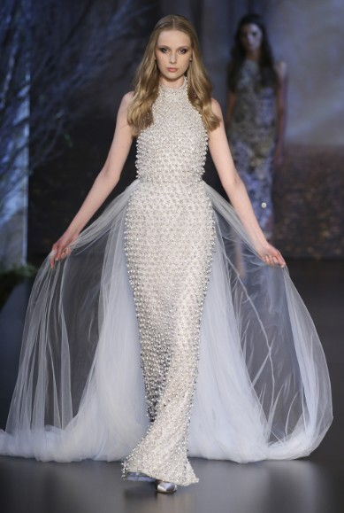 ralph-russo-aw-2015-2016-fall-winter-collection-review-silver-sequin-net-cape-gown-dress