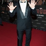 robert-downey-jr-tuxedo-sneakers-trainer-shoes-black-red-carpet-iron-man-promotions