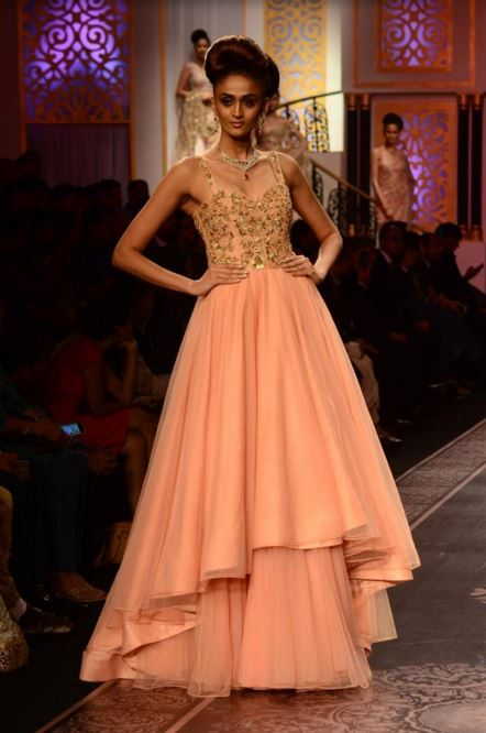 shyamal-bhumika-designer-indian-wedding-gown-peach-gold-strap-top-embroidery-latest-2016-trends