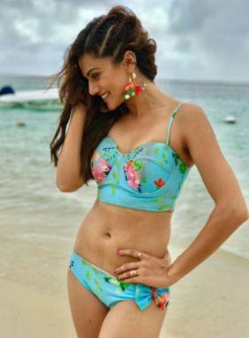 Bikini 2010sEmpowerment Bollywood Or Objectification Evolution1960s qMGSVUzp