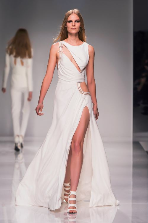 11 atelier versace spring summer 2016 couture fashion show for Fashion couture 2016