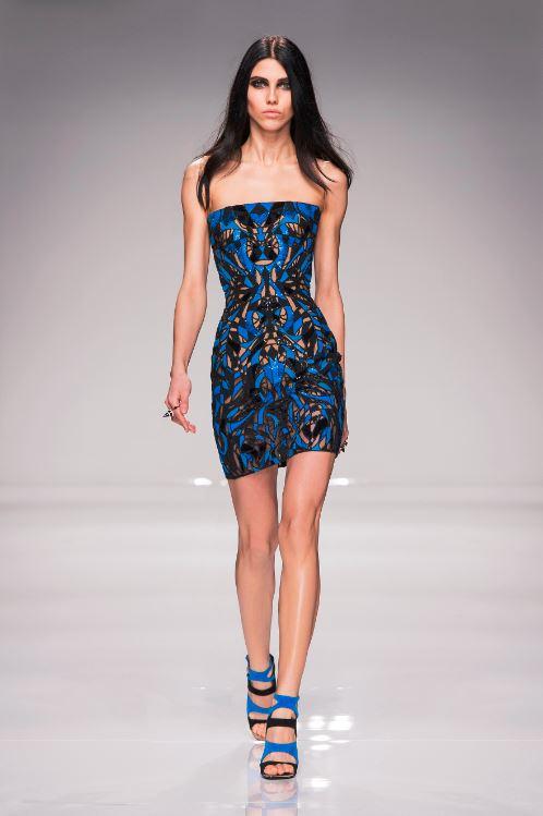 25-atelier-versace-spring-2016-couture-fashion-show-paris-week-blue-black-pattern-mini-dress-strapless-heels-strappy
