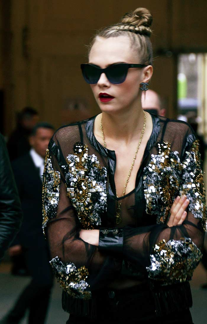 Cara-DELEVINGNE-chanel-ss16-couture-celebrity-fashion-week-style-dress