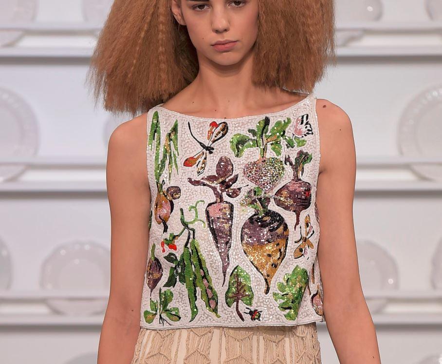 Schiaparelli-spring-summer-2016-couture-fashion-show-kitchen-garden-vegetable-motif-sequin-top