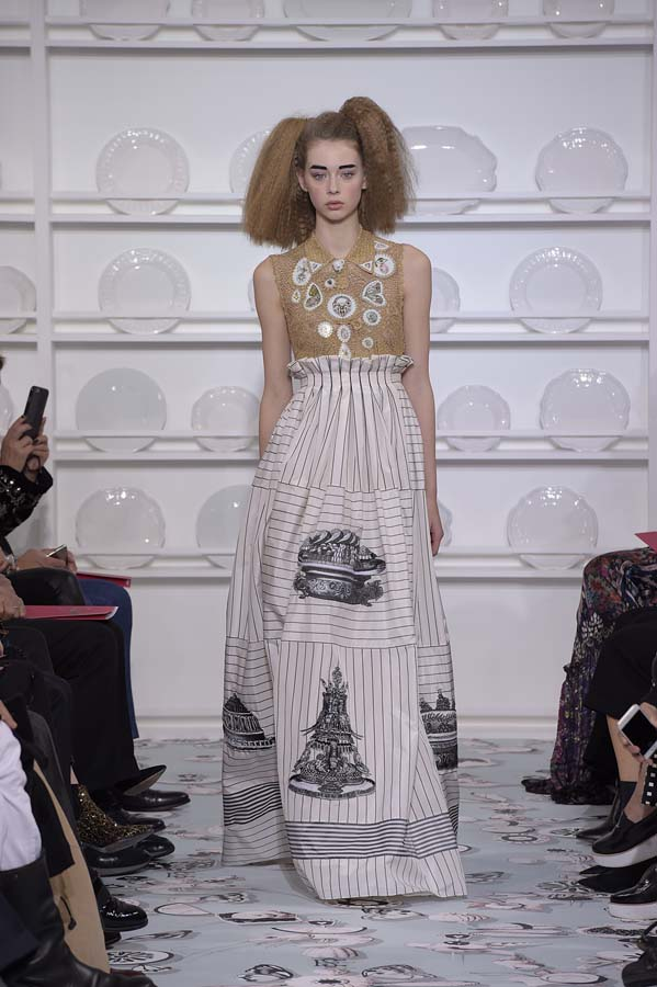 Schiaparelli-spring-summer-2016-couture-fashion-show-paris-week-11-outfit-dress-maxi-pattern-print