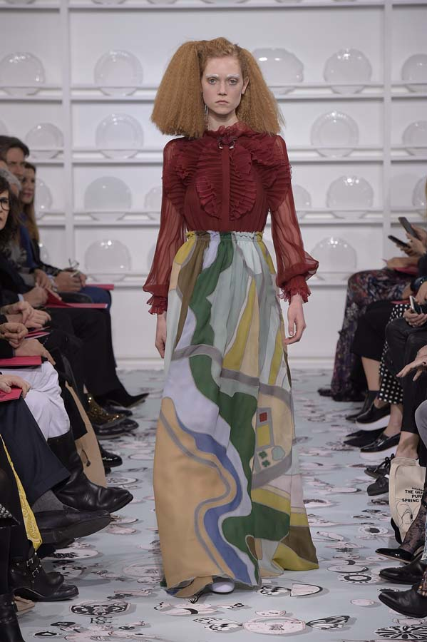 Schiaparelli-spring-summer-2016-couture-fashion-show-paris-week-16-burgundy-top-print-dress