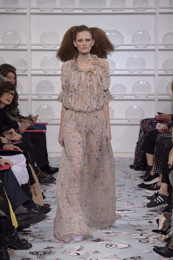 Schiaparelli-spring-summer-2016-couture-fashion-show-paris-week-22-dress