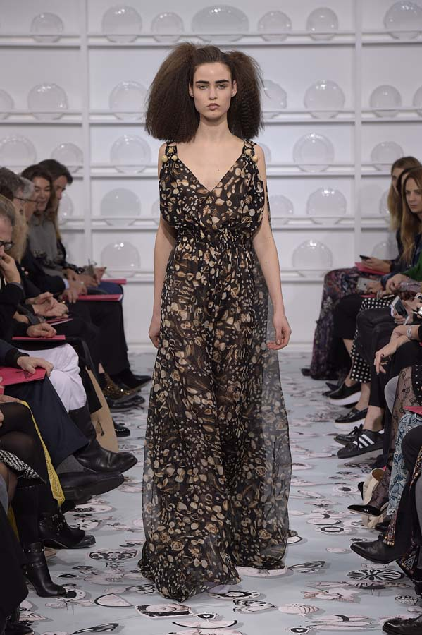 Schiaparelli-spring-summer-2016-couture-fashion-show-paris-week-23-black-sleeveless-print-dress
