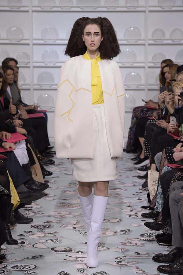 Schiaparelli-spring-summer-2016-couture-fashion-show-paris-week-3-eggshell-yellow-skirt-suit