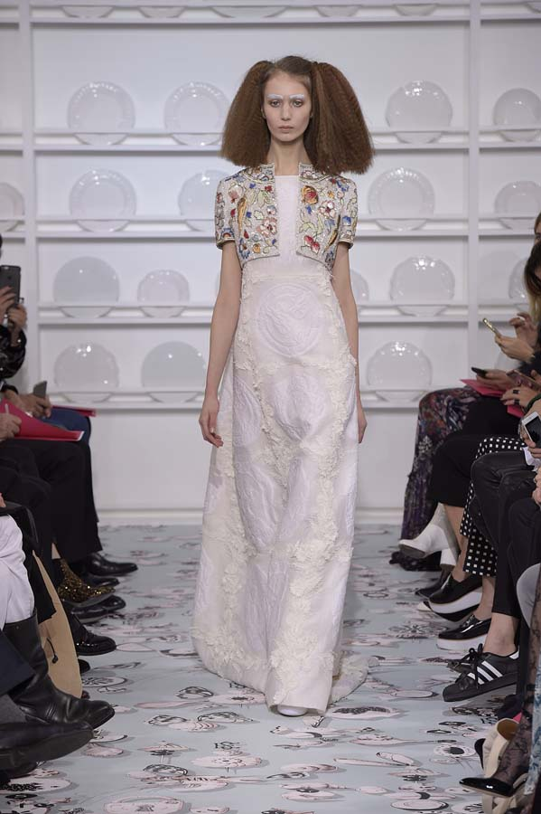 Schiaparelli-spring-summer-2016-couture-fashion-show-paris-week-31-white-dress-crop-jacket