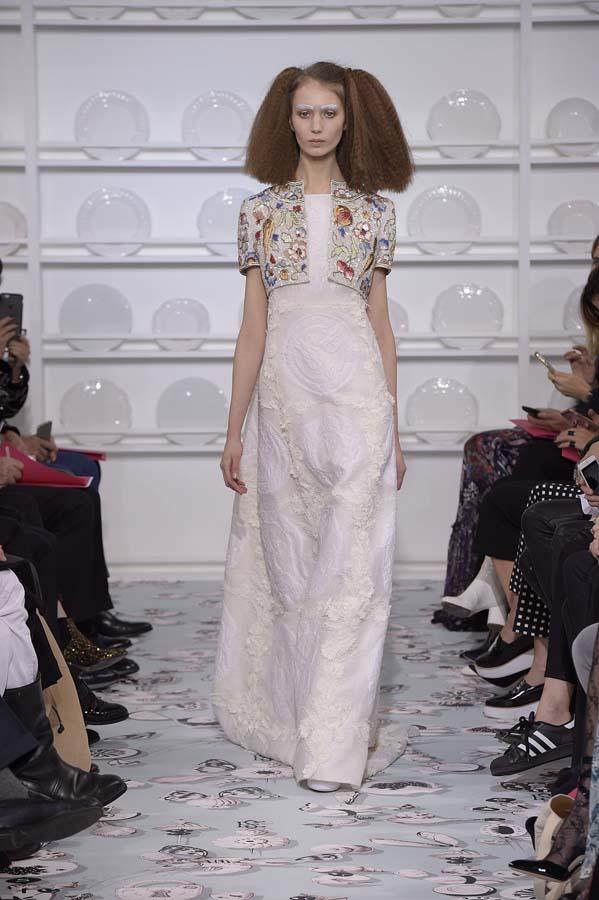 Schiaparelli-spring-summer-2016-couture-fashion-show-paris-week-31-white-dress-crop-jacket
