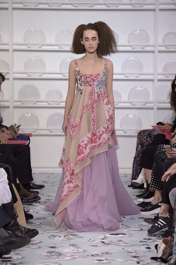 Schiaparelli-spring-summer-2016-couture-fashion-show-paris-week-35-pink-beige-purple