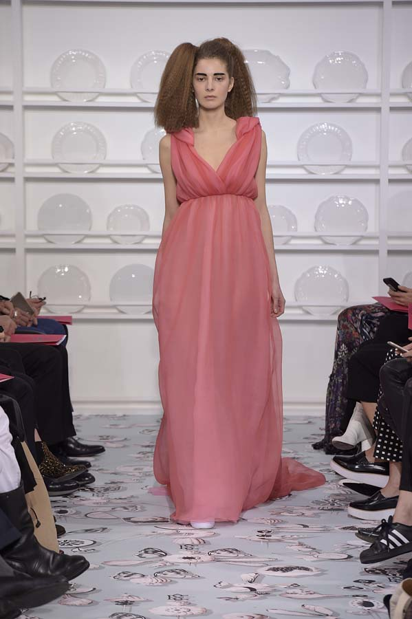 Schiaparelli-spring-summer-2016-couture-fashion-show-paris-week-37-pink-dress