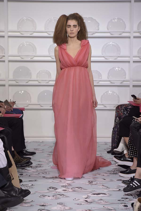 Schiaparelli-spring-summer-2016-couture-fashion-show-paris-week-37-pink-dress