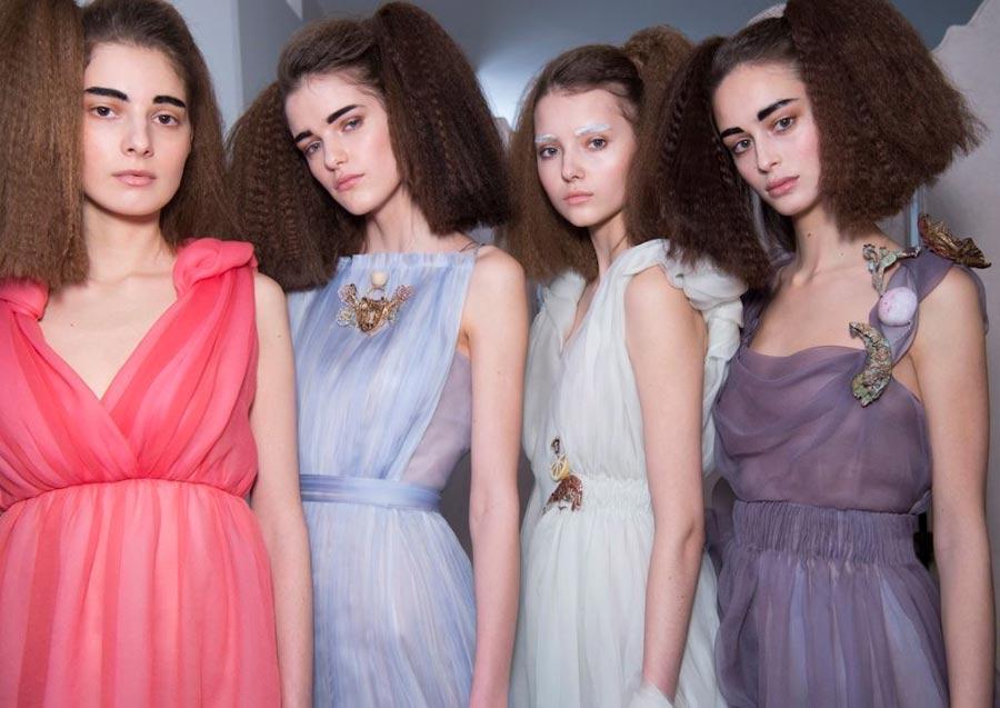 Schiaparelli-spring-summer-2016-couture-fashion-show-paris-week-makeup-hair