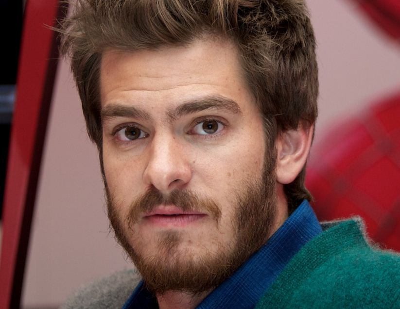 andrew-garfield-beard-hollywood-new-spiderman-actor-fashion-mens-hairstyle