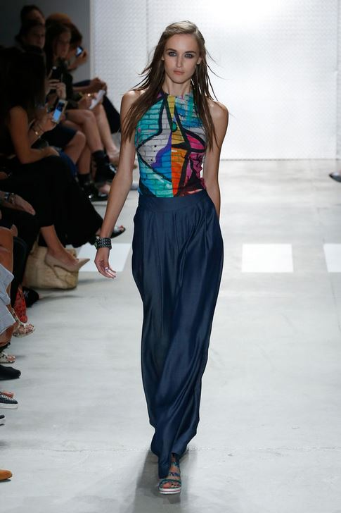 best-top-latest-looks-new-york-fashion-week-spring-summer-2016-rtw-outfits-nicole-miller-navy-pants-graffiti-top