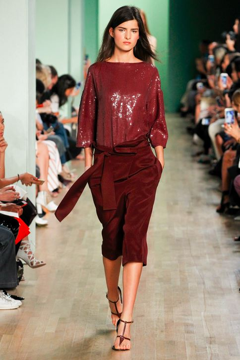best-top-latest-looks-new-york-fashion-week-spring-summer-2016-rtw-outfits-tibi-crimson-capris-sequin-top