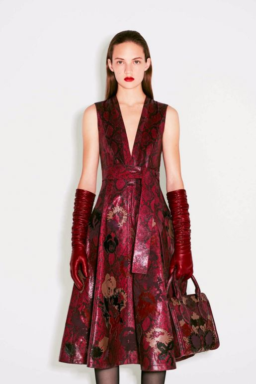 best-top-pre-fall-2016-looks-dresses-alexander-mcqueen-burgundy-dress-lipstick-gloves