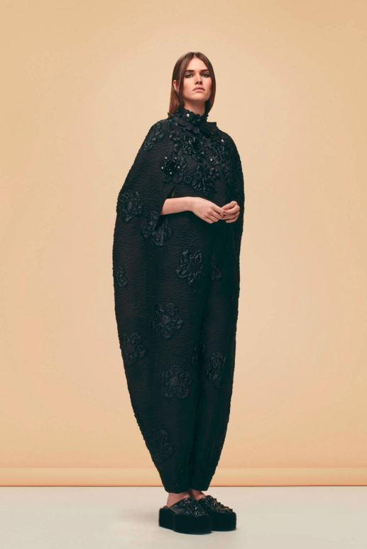 best-top-pre-fall-2016-looks-dresses-fendi-black-body-suit