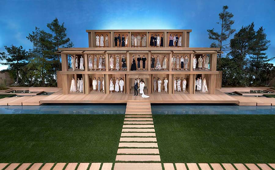 chanel-spring-summer-2016-couture-collection-wooden-house-runway-ramp-venue