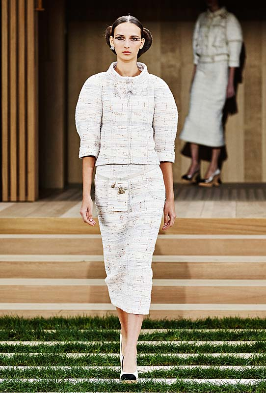 chanel-spring-summer-2016-couture-outfit-2-paris-fashion-week-