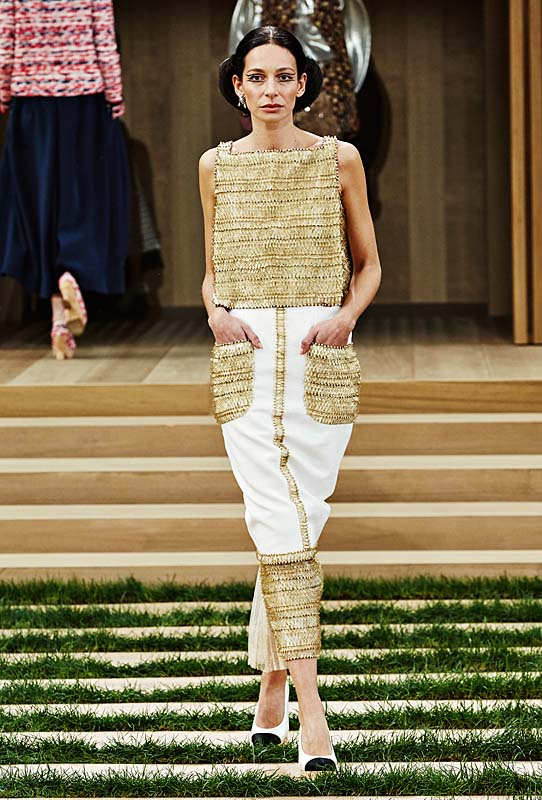 chanel-spring-summer-2016-couture-outfit-23-brown-white-dress