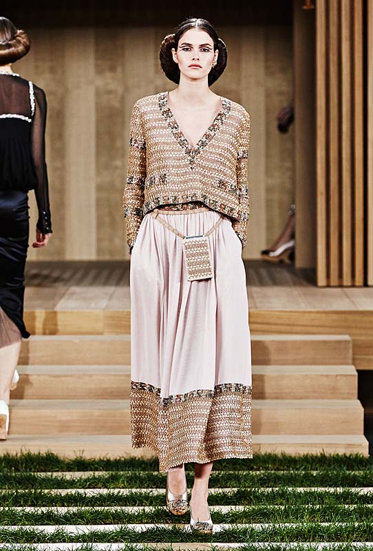 chanel-spring-summer-2016-couture-outfit-37-beige-off-white-dress-skirt-handbag